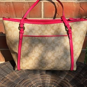 Coach Bags - Gently used Coach Bag.